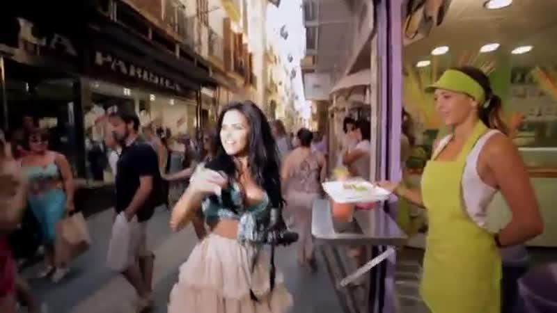 INNA - Un Momento (feat. Juan Magan) - Official Music Video.mp4