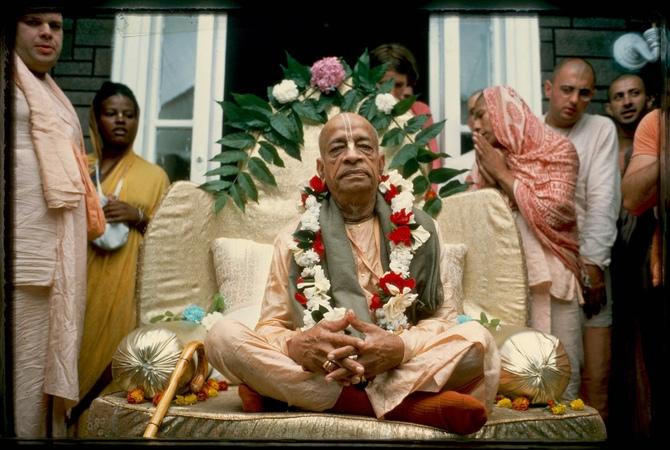 Behave Ideally or Don't Preach by Srila Prabhupada SB 6 2 4 Vrndavana September 8 1975