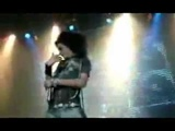 Bill Kaulitz-Very funny on the stage!!!! xD