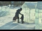 Вандалы сломали горку на зимнем городке