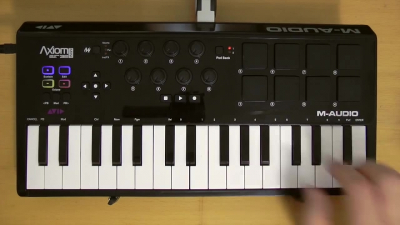 Exclusive First Hands On Video Of The Axiom AIR Mini 32 Keyboard