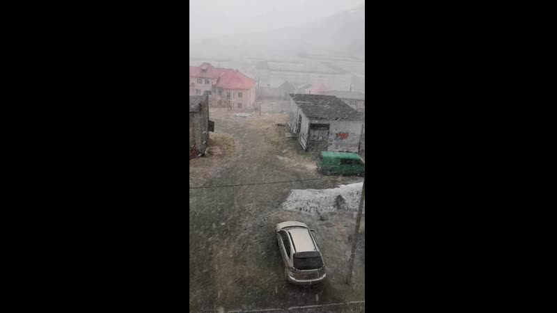 22е мая Снег снежок