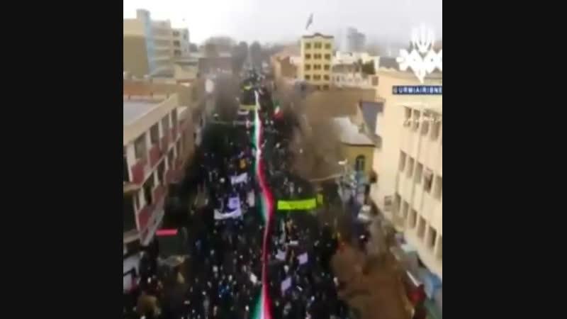 40 годовщина революции единственной исламской республики . народ ликует