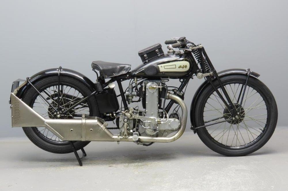 Ретро мотоцикл AJS M10 1929