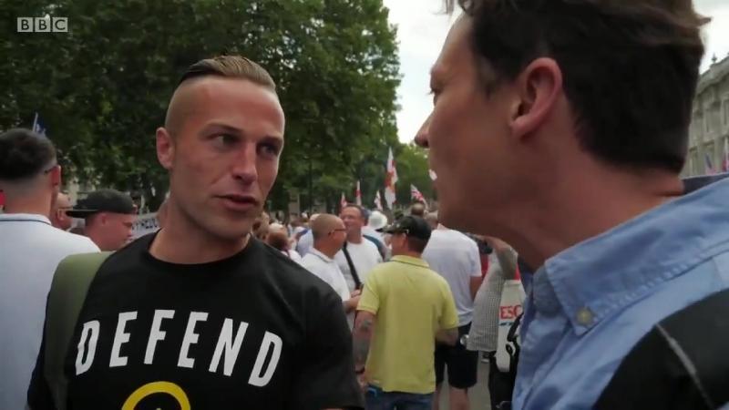 Un activiste politique danois dit à la BBC d'aller se faire enculer leur réputation est internationale