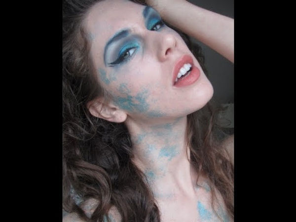 Mermaid Makeup and Scales Halloween Tutorial Blue Glitter Mermaid Makeup Look Diamondsandheels14
