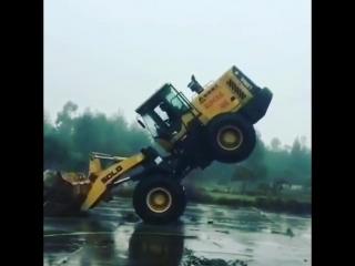 У этого водителя идеальное чувство баланса
