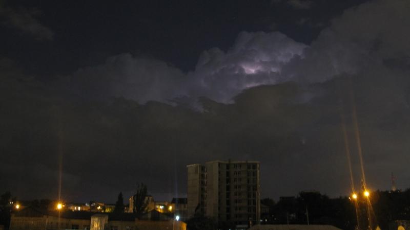 Таймлапс зарниц в Тбилиси, 24 июня вечером.