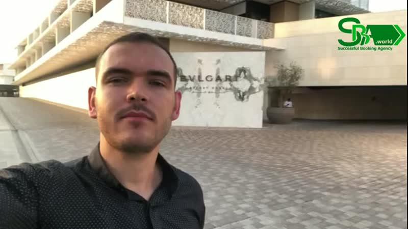 Саксофонист Игорь передает привет из отеля Bvlgari, ОАЭ!