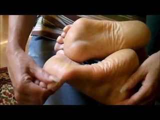 Very long nails tickle very high-arched feet