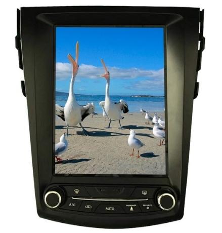 Магнитолы c огромными сенсорными экранами под разные модели авто.