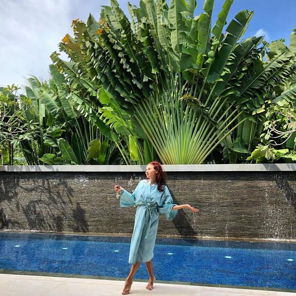 Эвелина Бледанс с сыном улетели на реабилитацию на Бали!
