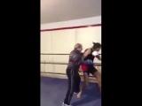 Опыт не пропьешь. Старших надо уважать Бокс супер удары приемы упражнения сила накачать качалка тренировки тренинг программа бой