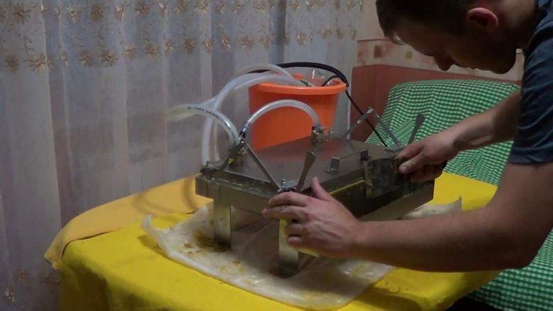 Пресс для вощины с водяным охлаждением / Своя вощина