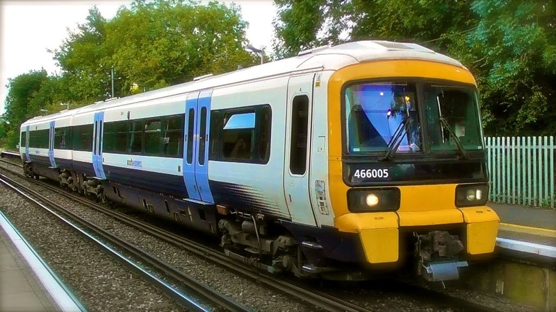 Southeastern Class 466/465 Networkers , Class 375/3s Electrostars Class 395s Javelins At Cuxton