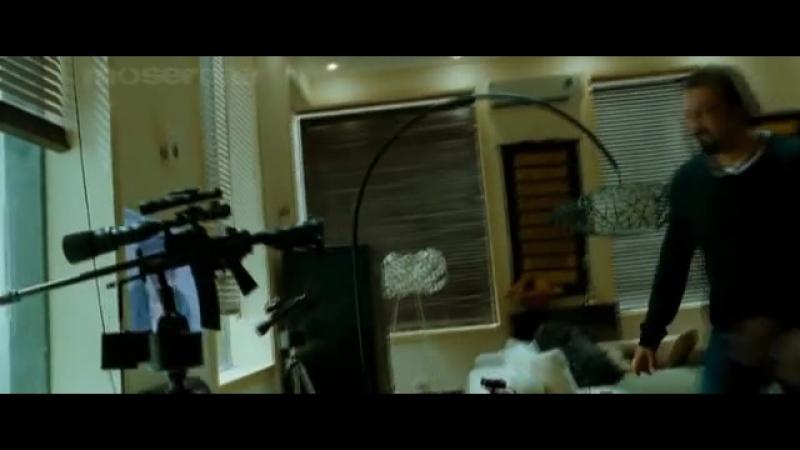 Телефонная будка. Индийский фильм. 2010 год. В ролях: Санджай Датт. Ирфан Кхан. Кангана Ранаут. Сушант Сингх и другие.