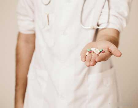 Комбинация противовирусных препаратов необходима для борьбы с ВИЧ-инфекцией из-за большого количества штаммов, присутствующих у каждого инфицированного человека.