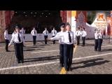 Екатеринбургский детский эстрадно-духовой оркестр и караульная группа военно-патриотического клуба «Кремлевские кадеты».