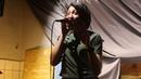 Песенку из концерта Хочу и пою в Чаше мира поет Анастасия