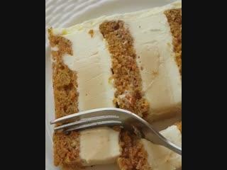 Морковный торт с ванильным муссом и карамельным кремю. / Наша группа в ВКонтакте: