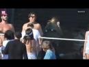 Nina Dobrev jogando voley com Leonardo DiCaprio e amigos no dia 04 de Julho