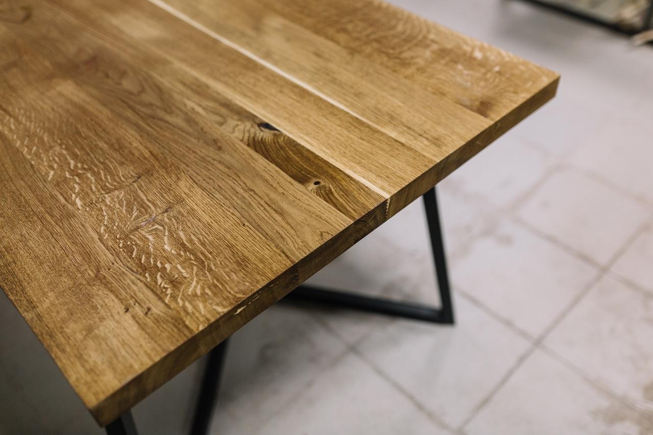 Просто обеденный стол