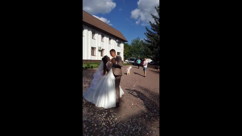 Первый танец Ирочки и Лёвы