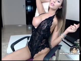 Сладкая студентка мастурбирует (pussy,fuck,brunette,hd,masturbate,masturbation,sex,chat,skype,webcam,cams,girl)