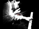 Glenn Gould plays Haydn sonata No 59 in E flat major Hob XVI 49 (2/3)