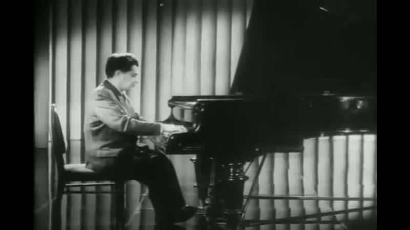 Grigory Ginzburg plays Liszt La Campanella