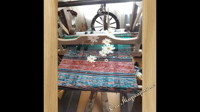 Атрибуты женких ремесел ткацкий станок и прялка