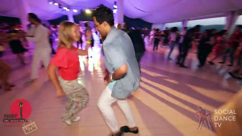 Борис Эча и Соня Окладникова - Salsa social dancing at the 2018 The Third Front Salsa Festiv