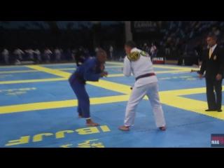 Faixa-coral Julio Cesar Pereira vence no Internacional Master de Jiu-Jitsu