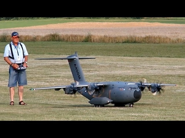 AIRBUS A400M GIGANTIC RC SCALE AIRLINER MODEL FLIGHT DEMO Airliner Meeting Airshow 2015