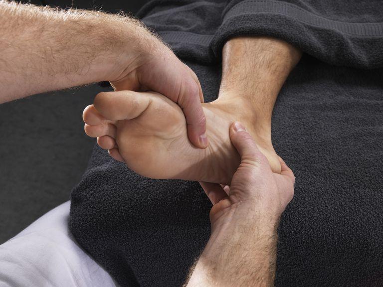 Симптомы и лечение боли в пятке подошвенного фасциита