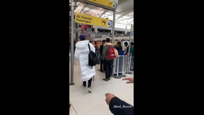 190403 ZHANG YIXING 张艺兴 — JFK Airport_fancam cr. Xback_Reverie