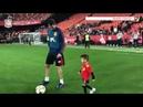 Sergio Busquets disfruta con su hijo Enzo en Mestalla