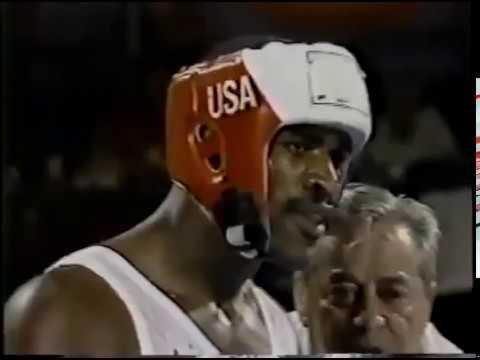 Эвандер Холифилд - Исмаил Салман / Олимпиада 1984 г. / 81 кг / 1/8 финала.