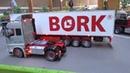 Siku Control Truck drivers at work