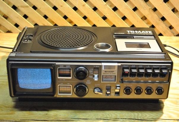 Sharp Tri-mate. Гибрид черно-белого телевизора, радиоприёмника и магнитофона (1970-е годы)
