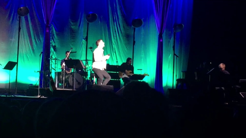 Darren Criss- Hopelessly Devoted To You (LMDC Tour Manchester)