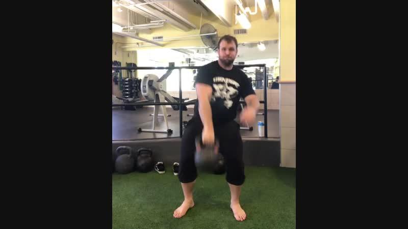 Жонглирование гирей 28 кг видео rhinostrength