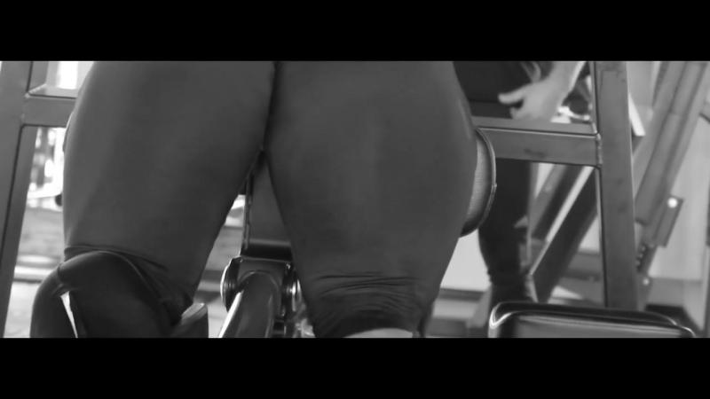 Мясо в лосинах Аркадий Величко тренировка ног гей эротика порно качок бодибилдер лосины мускулистый мужик парень