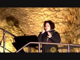 Antonella Ruggiero - canta nelle Grotte di Frasassi per Carlo Urbani