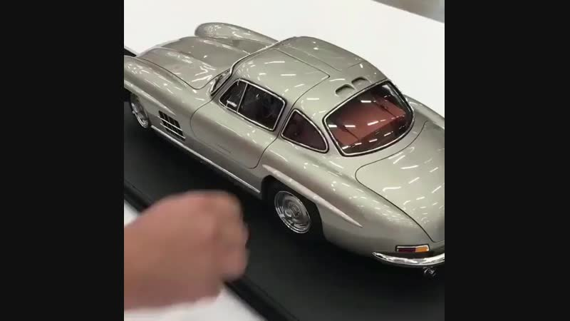 Модель Mercedes-Benz