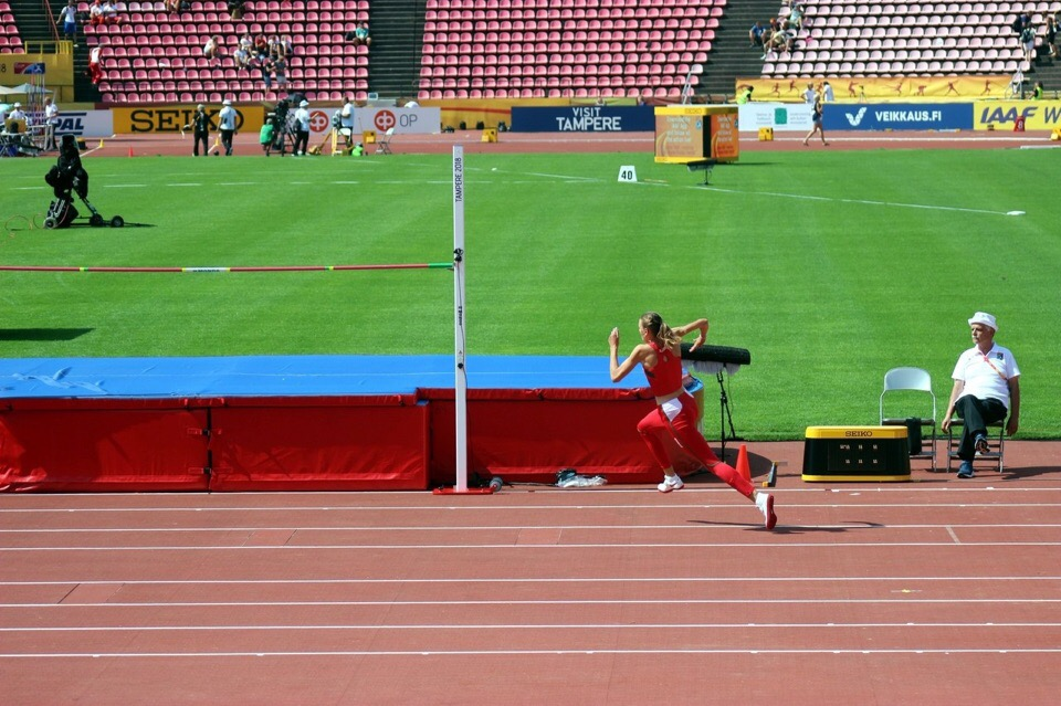 Карина Таранда покоряет высоту. Фото: БФЛ