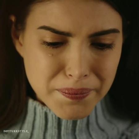 """Турецкий стиль🖤 on Instagram """"«Если любишь кого-то по-настоящему, то у тебя болят его раны».💔 . Вторая страница @mr.turk8 . . . . . . handeerçel ..."""