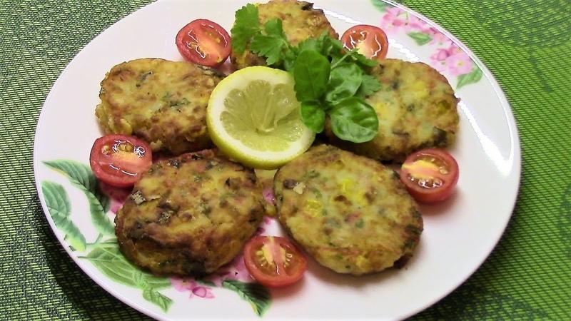 Картофельные котлетки с крабовым мясом и кукурузой приятно удивят своим превосходным вкусом