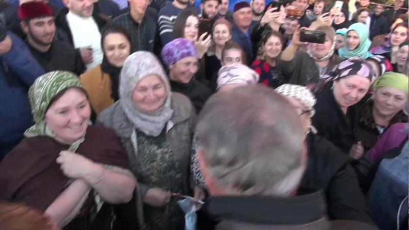 Национальный лидер Республики Ингушетия Аушев Руслан Султанович на митинге