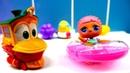 Bebek videosu Duck oyuncaklarını yerine koyuyor